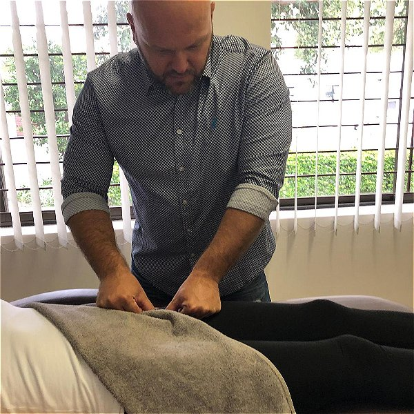 Bowen Therapy can help with pain when raising the knee. This Image was taken in Johannesburg, South Africa.